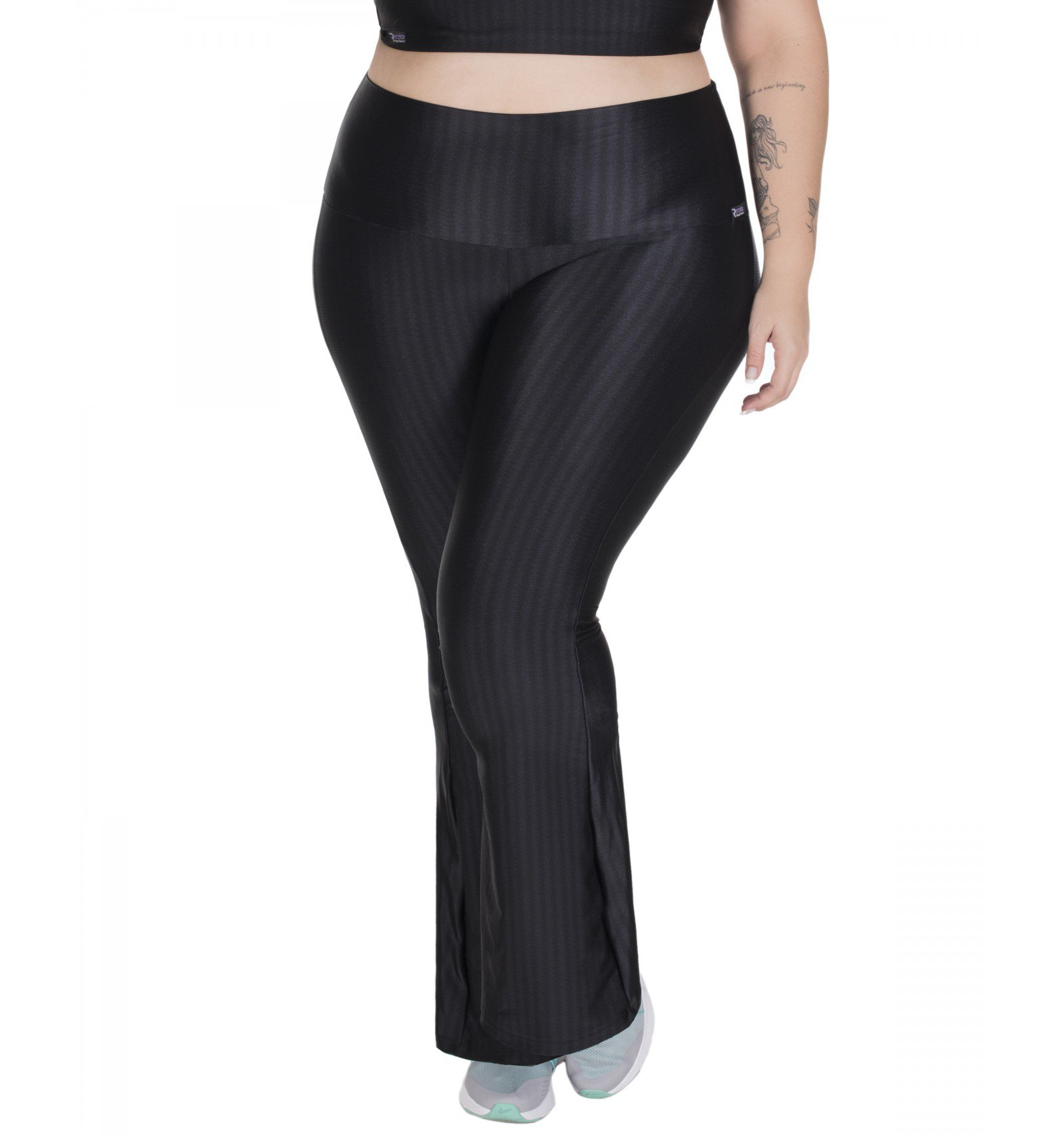 calca-flare-fitness-plus-size-manu-ikat-preta-3d